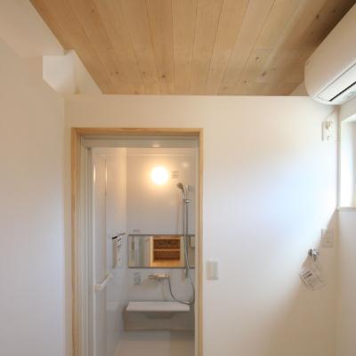 木製アクセントパネル 脱衣室浴室ウッドパネル